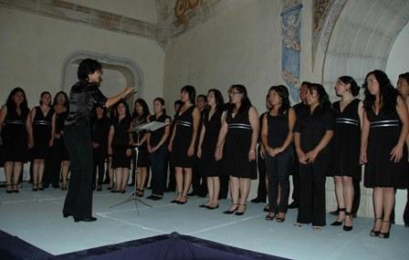 """""""El canto es un lenguaje que permite alcanzar instancias que la voz hablada no puede"""""""