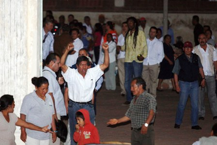 Comunicado de la Sección 22 por agresión al maestro Noé López Pinos en Tlacochahuaya
