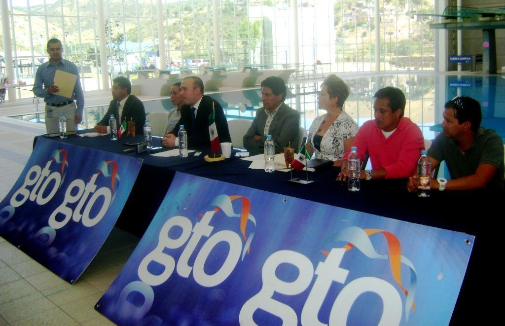 Ganan oro clavadistas mexicanos en la Serie Mundial de Clavados
