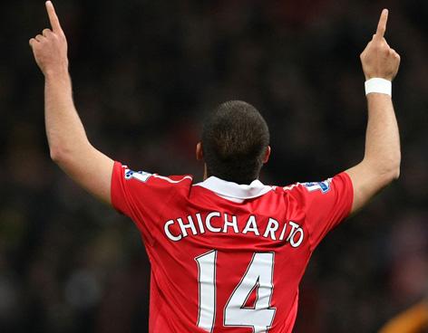 El Chicharito anota y gana el Manchester United al Everton