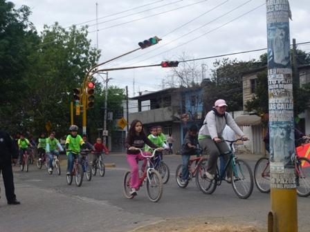 Los niños, los más entusiastas en el Paseo Dominical Bienestar número 43, en Oaxaca