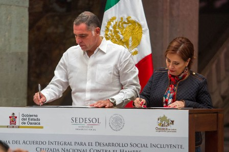 Ttitular de la Sedesol-Gobernador de Oaxaca