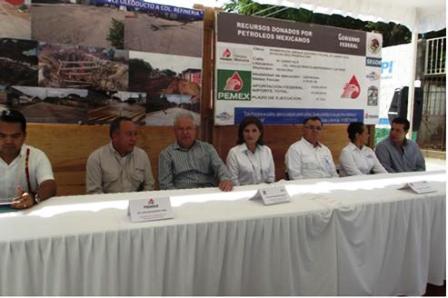 PEMEX entrega obras de pavimentación y drenaje en Salina Cruz