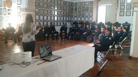 Capacitan a policías municipales en protocolos de actuación libre de discriminación