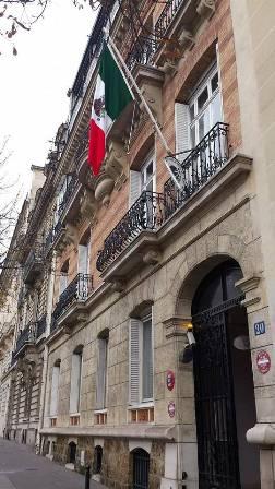 Se presentó ciudadano mexicano, José Luis Zamora Valdés, en el Consulado en París