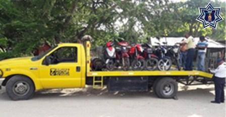 """Aseguran ocho vehículos y siete motocicletas durante """"Operación Sellamiento"""" en Oaxaca"""