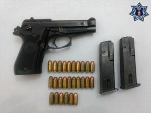 Pistola Pietro Beretta, calibre 380, matrícula H40217Y-CAT 5802.