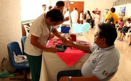 Realiza PrevenIMSS detección oportuna de diabetes