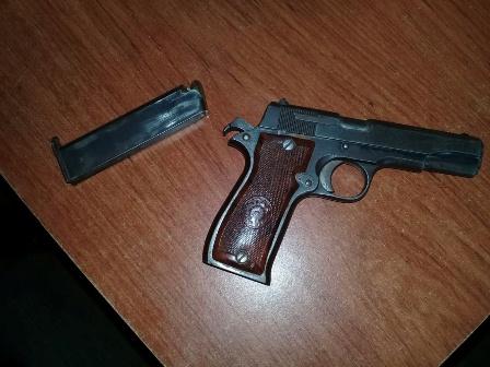 Detenido por la Policía Estatal en posesión de una pistola escuadra calibre 380, en Tuxtepec