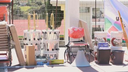 Entregan mobiliario escolar y equipo a primaria de San Pablo Lachiriega
