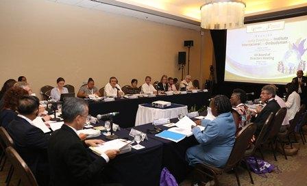Atender éxodos masivos de manera integral y conjunta, urge CNDH a ombudsperson del mundo