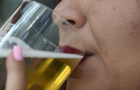 Evitar consumo de alimentos irritantes, tabaco y alcohol disminuye riesgo de padecer cáncer gastrointestinal