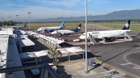 Por primera ocasión, rebasa Aeropuerto Internacional de Oaxaca los cien mil pasajeros en un solo mes