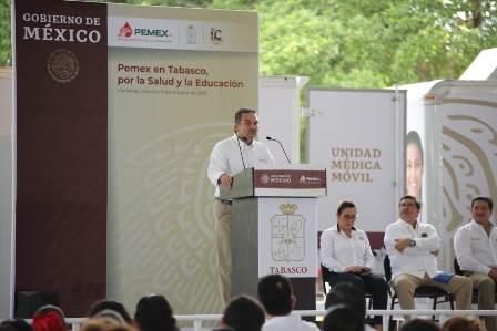 Entrega Pemex apoyos en salud y mobiliario educativo para 11 municipios de Tabasco