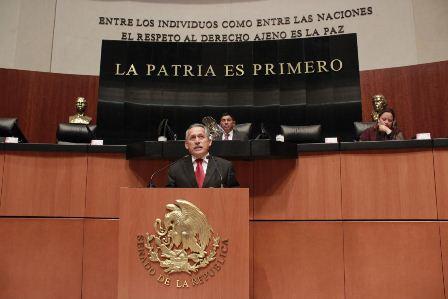 Plantean senadores proteger derechos laborales de socios de plataformas digitales