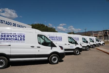 Moderniza Fiscalía actividad forense con nuevos vehículos para el Instituto de Servicios Periciales