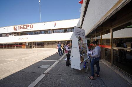 Cumplen SEP y IEEPO con el otorgamiento de matrícula a normales de Oaxaca