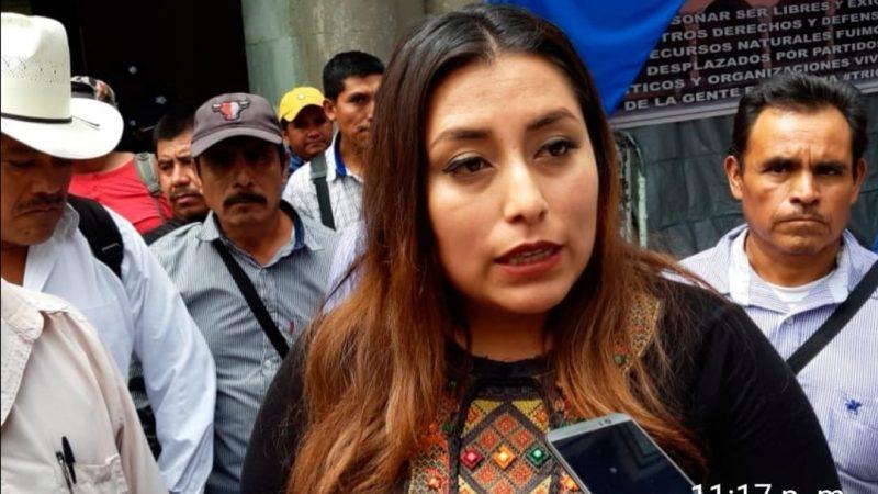 La edil de Tezoatlán de Segura y Luna se ampara y denuncia a la Secretaria General de Gobierno y a su titular Héctor Anuar Mafud, por propiciar negociaciones bajo condiciones de tortura y humillación