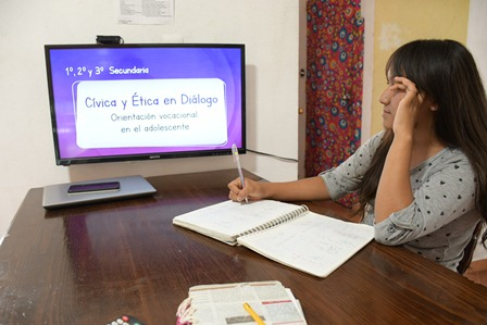 Desea IEEPO éxito a estudiantes y docentes que reinician ciclo escolar 2020-2021 a distancia