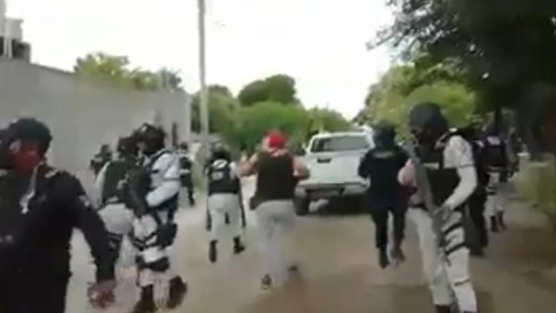 Un muerto deja cateo por elementos de la Fiscalía General de Oaxaca y de la Guardia Nacional, en la localidad de indígenas ikoots de San Francisco del Mar
