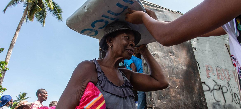 La ONU insta a los Estados a no deportar a los haitianos y a evaluar sus necesidades de protección