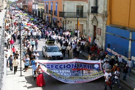 marcha seccion 22 toma de protesta gabino