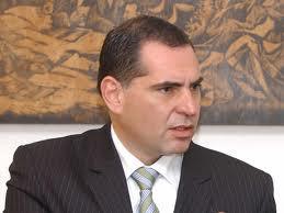 Realiza Gabino Cué primeros cambios en su gabinete