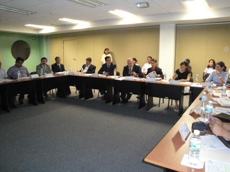 Preside la reunión el secretario de Finanzas, Gerardo Cajiga Estrada