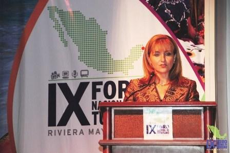 Gloria Guevara, Secretaria Nacional de Turismo