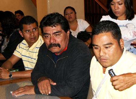 Integrantes del PRD, Roberto López Rosado y Nicolás Estrada Merino