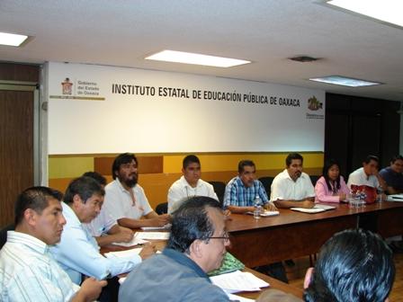 Regularizarán Servicios Educativos en Oaxaca