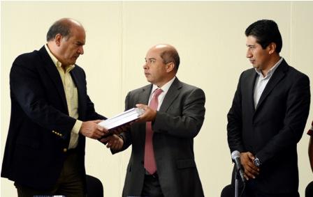 Entrega el Ejecutivo al Legislativo el paquete fiscal