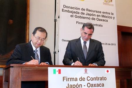 Embajador de Japón en México y gobernador de Oaxaca