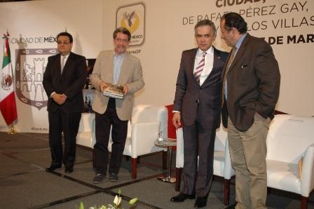 De Rafael Pérez Gay, Héctor de Mauleón y Carlos Villasana