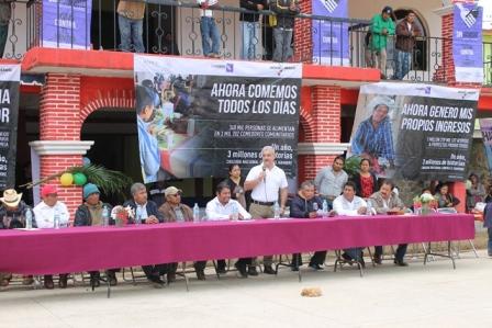 Inaugura Sedesol obra de ampliación de energía eléctrica en Tepantlali Mixes, Oaxaca