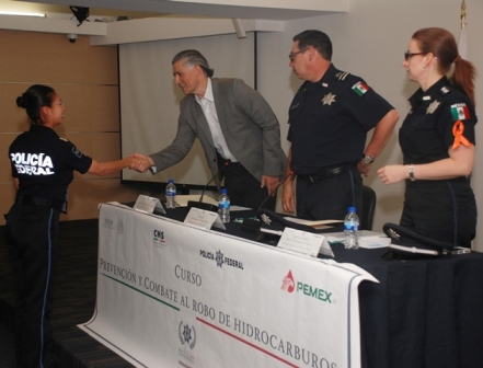 Policía Federal y Pemex