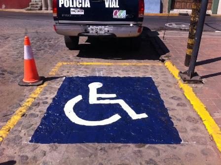 Cajones para personas con discapacidad