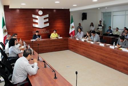Comparten experiencia Oaxaca y Guanajuato