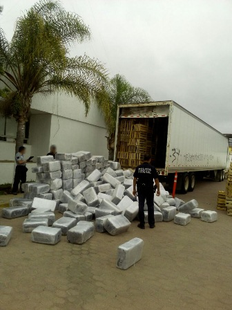 Las transportaban en un trailer