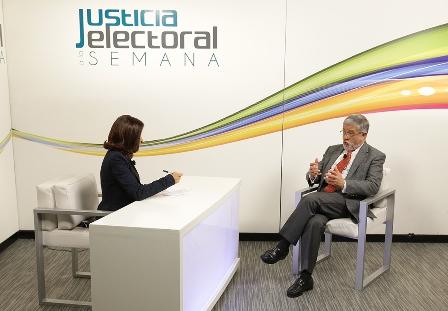 Experto en materia electoral de la Universidad del Rosario, Colombia