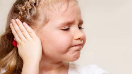 Con cirugías y terapias de audición