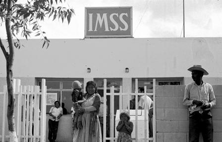 Celebra IMSS 75 años