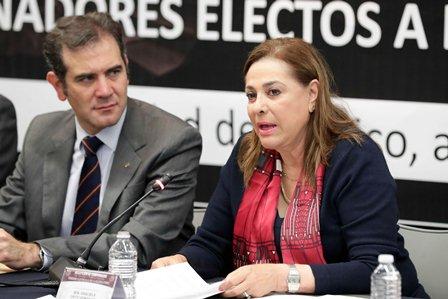 Senadora y vicepresidenta de la Mesa Directiva