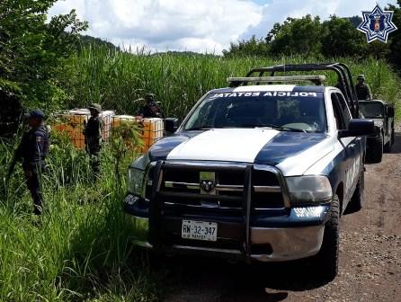 Aseguran dos mil litros de hidrocarburo en San José Cosolapa, Oaxaca