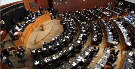Minuto de silencio en el Senado de la República