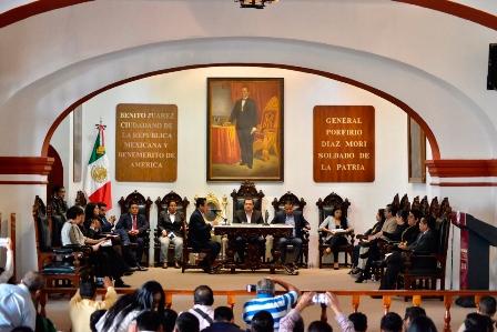 Ratifica Cabildo de Oaxaca de Juárez designación de dos funcionarios municipales