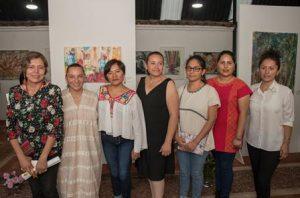 Argelia Matus; Cristina Luna; Ivonne Kennedy; Judith Ruíz; Pilar Gómez; Gilda Genis; Natali Terán y Tania Pastrana.