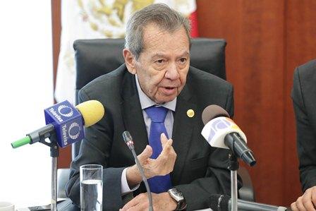 Que la migración sea considerada un derecho humano, promueve Muñoz Ledo