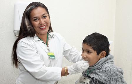 Terapia de lenguaje, herramienta para curar trastornos de la comunicación en niños: IMSS
