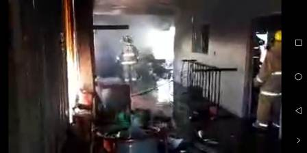 Deja sólo daños materiales explosión de cohetería clandestina en Atzompa, Oaxaca